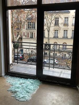 Double vitrage cassée contactez votre vitrier a Paris -75